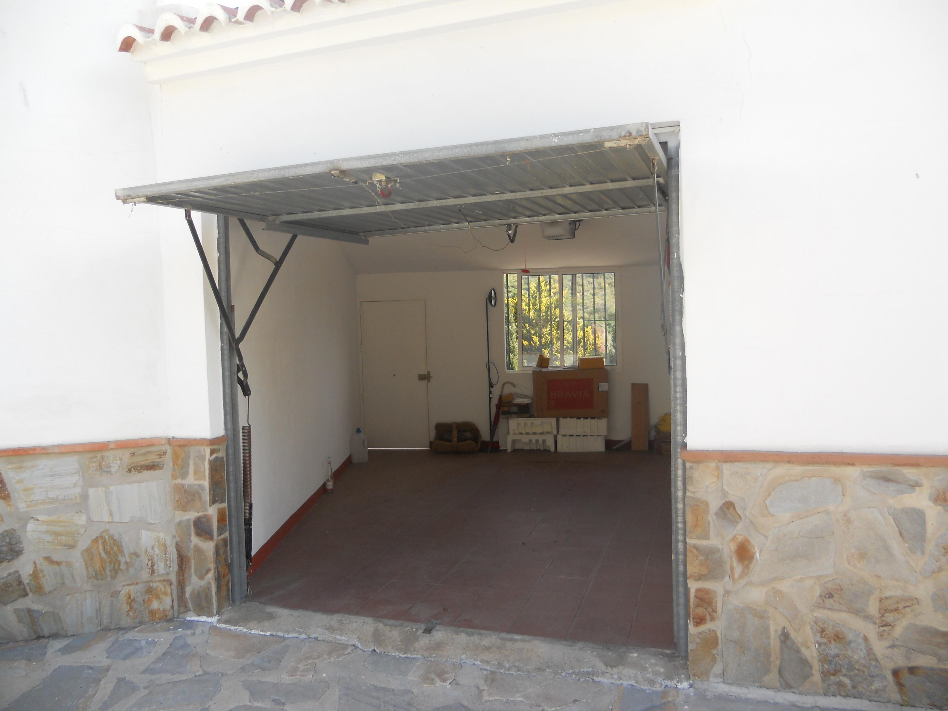 Macharaviaya casa en venta ref 9057 asesor a mj - Mando a distancia garaje ...